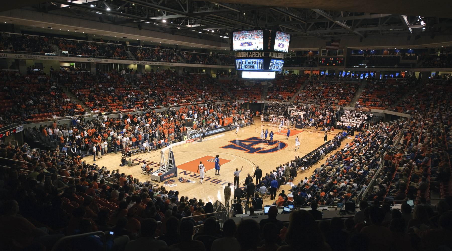 Basketball game at Auburn Arena